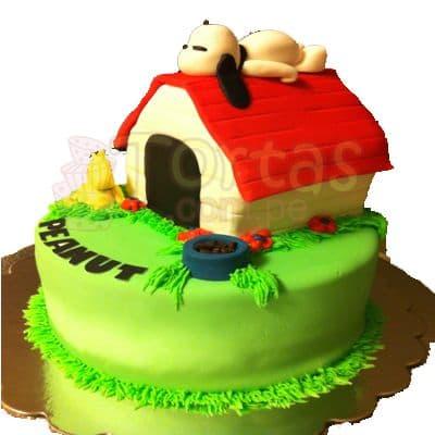 Tortas.com.pe - Torta Snoopy 05 - Codigo:SNP05 - Detalles: Torta hecha a base de queque De Vainilla  ,    en manjar blanco, forrado y decorado en su totalidad con masa el�stica. Mide  primer piso 20cm de diametro. Y el segundo nivel casita de 10x10. Incluye snoopy  en masa el�stica. Base forrada en papel aluminio.  - - Para mayores informes llamenos al Telf: 225-5120 o 476-0753.