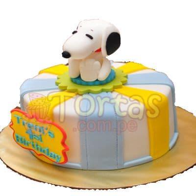 Diloconrosas.com - Torta Snoopy 15 - Codigo:SNP15 - Detalles: Torta hecha a base de queque De Vainilla  ,    en manjar blanco, forrado y decorado en su totalidad con masa el�stica. Mide 20 cm. De di�metro. Incluye toda la decoraci�n en masa el�stica.  - - Para mayores informes llamenos al Telf: 225-5120 o 476-0753.