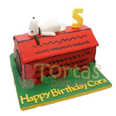 Diloconrosas.com - Torta Snoopy 17 - Codigo:SNP17 - Detalles: Torta hecha a base de queque De Vainilla  ,    en manjar blanco, forrado y decorado en su totalidad con masa el�stica. Mide  12 de anchox20 de largo.  Base forrada en  masa el�stica. Toda la decoraci�n en  masa el�stica.  - - Para mayores informes llamenos al Telf: 225-5120 o 476-0753.