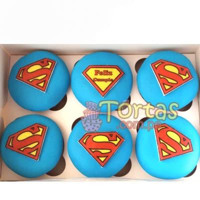 Tortas.com.pe - Muffins Superman - Codigo:SPN09 - Detalles: 6 deliciosos muffins de vainilla ba�ados con manjar blanco y forrados con masa elastica segun dise�o - - Para mayores informes llamenos al Telf: 225-5120 o 476-0753.