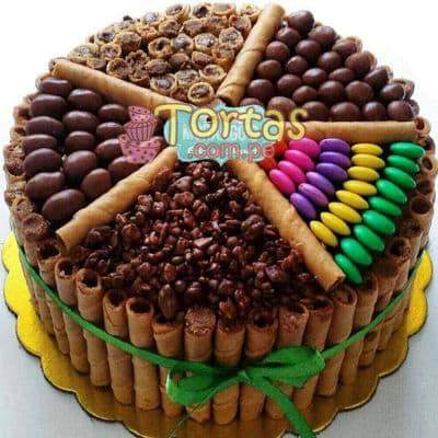 Torta Candy 01 - Codigo:TAA01 - Detalles: Espectacular torta a base de keke ingles bañado con manjar . Contiene dulces segun imagen bastones dulces a los costados y caramelos surtidos en la parte superior. Tamaño de la torta: 20cm de diametro  - - Para mayores informes llamenos al Telf: 225-5120 o 4760-753.