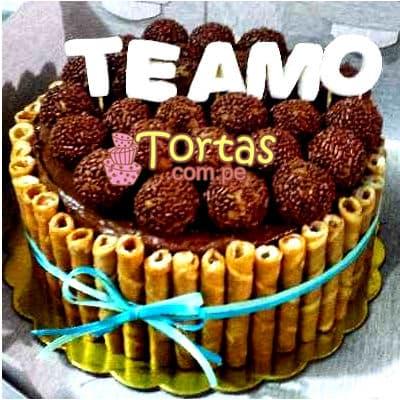 Lafrutita.com - Torta Candy 04 - Codigo:TAA04 - Detalles: Espectacular torta a base de keke De Vainilla ba�ado con manjar . Contiene dulces segun imagen bastones dulces a los costados y caramelos surtidos en la parte superior. Tama�o de la torta: 15cm de diametro  - - Para mayores informes llamenos al Telf: 225-5120 o 476-0753.