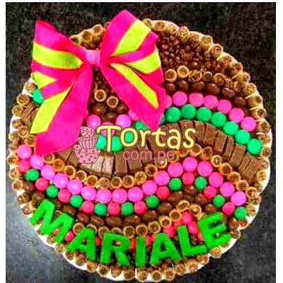 Torta Candy 06 - Codigo:TAA06 - Detalles: Espectacular torta a base de keke ingles bañado con manjar . Contiene dulces segun imagen bastones dulces a los costados y caramelos surtidos en la parte superior. Tamaño de la torta: 25cm de diametro  - - Para mayores informes llamenos al Telf: 225-5120 o 4760-753.