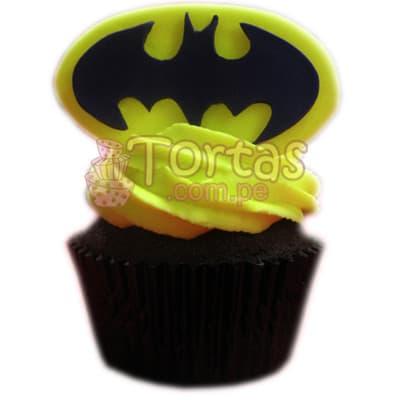 Muffin Batman 01 - Codigo:TBA01 - Detalles: Delicioso Muffin de vainilla decorado con azucar según la imagen. El presente incluye tarjeta de dedicatoria. - - Para mayores informes llamenos al Telf: 225-5120 o 4760-753.