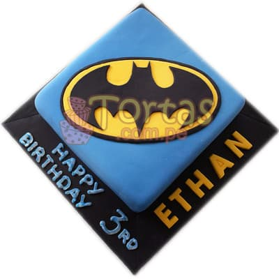 Torta Cuadrada Batman 06 - Codigo:TBA06 - Detalles: Deliciosa torta a base de queque ingles rellena de manjar blanco y decorada en masa elástica. Medidas: 25cm x 25cm  Incluye base de masa elastica en color negro, nombre en azucar en la base de hasta 5 letras, y mensaje feliz dia y numero de azucar para señalar los años que el niño cumple El presente incluye tarjeta de dedicatoria. - - Para mayores informes llamenos al Telf: 225-5120 o 4760-753.