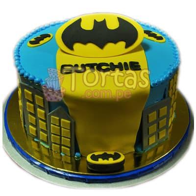 Torta Batman 09 - Codigo:TBA09 - Detalles: Deliciosa torta a base de queque ingles rellena de manjar blanco y decorada en masa elástica. Medidas: 14cm de diametro El presente incluye tarjeta de dedicatoria. - - Para mayores informes llamenos al Telf: 225-5120 o 4760-753.