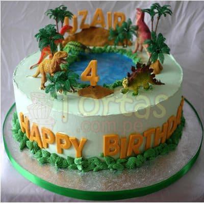 Deliregalos.com - Torta Dinosaurio 03 - Codigo:TDN03 - Detalles: Torta de queque ingles relleno de fruta confitada, pasas, ba�ado en manjar blanco, forrado y decorado en masa elastica. Las medidas primer piso 20cm. De diametro. Incluye 4 dinosaurios jebe. No incluyen arboles. Base en papel aluminio  - - Para mayores informes llamenos al Telf: 225-5120 o 476-0753.
