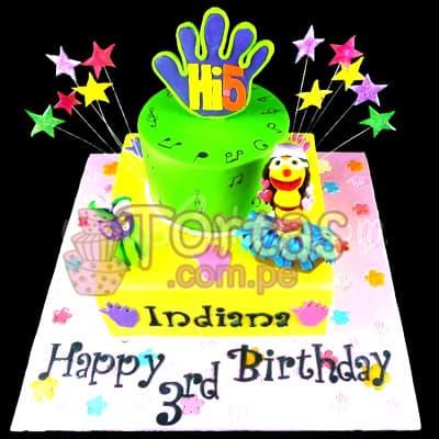 Tortas.com.pe - Torta Hi5 - 04 - Codigo:THI04 - Detalles: Deliciosa torta a base de keke De Vainilla ba�ado con manjar blanco y forrado con masa elastica. La torta tiene medidas de: 20x20cm primer piso y 10x10cm el segundo piso Incluye decoracion haciendo referencia a la imagen. Incluye estrellas, 2 mu�ecos en azucar y mano.  - - Para mayores informes llamenos al Telf: 225-5120 o 476-0753.