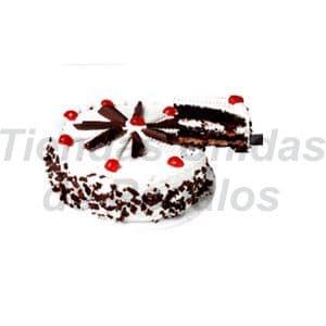 Diloconrosas.com - Torta Rapido 06 - Codigo:TNR06 - Detalles: Cl�sica torta de chocolate con chantilly natural y cerezas, 2Kilos, incluye tarjeta de dedicatoria. - - Para mayores informes llamenos al Telf: 225-5120 o 476-0753.
