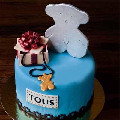 Lafrutita.com - TOUS 09 - Codigo:TOS09 - Detalles: Deliciosa torta de keke De Vainilla  ba�ada con manjar blanco y forrada con masa elastica con medidas de 15 cm de diametro,con accesorios en material no comestible forrados con masa elastica - - Para mayores informes llamenos al Telf: 225-5120 o 476-0753.