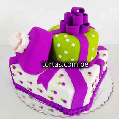Diloconrosas.com - Torta Especial 03 - Codigo:TRR03 - Detalles: Deliciosa Torta de Cake De Vainilla ba�ada con manjar blanco y forada con masa elastica  incluye tarjeta de dedicatoria.   Medidas: 25 x 25 cm.  - - Para mayores informes llamenos al Telf: 225-5120 o 476-0753.