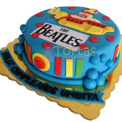 Diloconrosas.com - Torta Corazon Rojo - Codigo:TRR05 - Detalles: Deliciosa Torta en keke De Vainilla ba�ada con manjar blanco y forada con masa elastica   21 x 22cm x 8cm de alto.   - - Para mayores informes llamenos al Telf: 225-5120 o 476-0753.