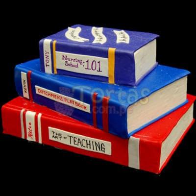 Torta Libros 37 - Codigo:TRR37 - Detalles: Delicioso queque ingles rellena de fruta confitada decorada finamente en masa el�stica, MED. 1er nivel 20 x 30 2do nivel 20cm x 15cm 3er nivel 10cm x 5cm Rinde 40 a 45 porciones. - - Para mayores informes llamenos al Telf: 225-5120 o 4760-753.