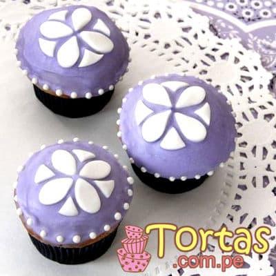 Muffins Sofia Princess 04 - Codigo:TSI04 - Detalles: 3 Muffins de vainilla bañados con manjar blanco y decorado con masa elastica. - - Para mayores informes llamenos al Telf: 225-5120 o 4760-753.