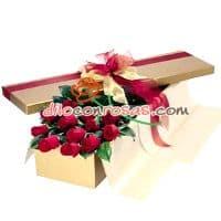 Ramo de Rosas importadas en Caja - Codigo:VAT06 - Detalles: Ramo conteniendo 12 Rosas importadas - - Para mayores informes llamenos al Telf: 225-5120 o 4760-753.