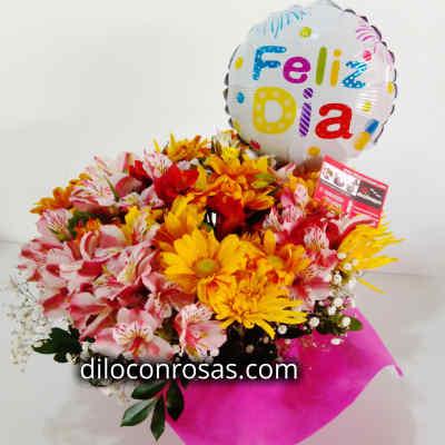 Arreglo con Flores y Globo | Florerias Peru - Cod:VAT22