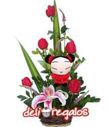 Quintento de Rosas y Puquita - Codigo:VLN18 - Detalles: Precioso detalle compuesto por 5 rosas importadas, lilium jaspeado y follaje de estaci�n, acompa�ado de la simp�tica Puquita de 21 cm.. - - Para mayores informes llamenos al Telf: 225-5120 o 4760-753.