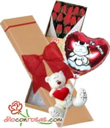 Caja de 12 rosas importadas, Oso