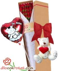 Caja de 24 rosas importadas, Oso