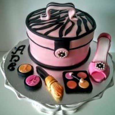 I-quiero.com - Victoria secret 13 - Codigo:VSS13 - Detalles: Deliciosa torta de keke De Vainilla  ba�ada con manjar blanco y forrada con masa elastica con medidas de 15 cm de diametro  - - Para mayores informes llamenos al Telf: 225-5120 o 476-0753.