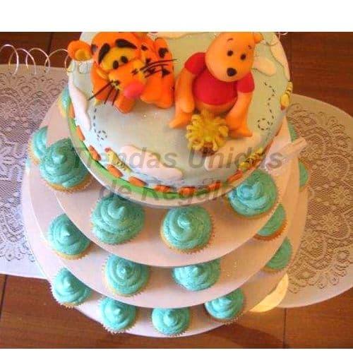 I-quiero.com - TORTA MUFFIN 20 - Codigo:WAM20 - Detalles: Torta de cuatro pisos a base de muffins. Compuesta por 38 muffins de vainilla decorados con crema pastelera , una torta de 25cm de diametro y dos mu�ecos decorativos de ceramica. - - Para mayores informes llamenos al Telf: 225-5120 o 476-0753.