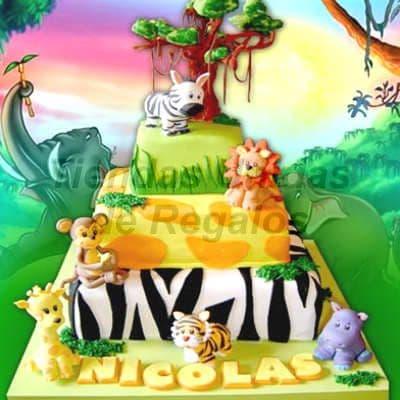 Lafrutita.com - Torta Ninia - Codigo:ENP13 - Detalles: Delicioso torta de queque De Vainilla relleno de frutos secos, finamente decorado con masa el�stica en formas de animalitos como el rey le�n, tigre, cebra o los animalitos que guste.Esta torta contiene tres niveles, primer nivel de 35cm x 35cm .El segundo nivel 25cm x 25cm .El tercer nivel 15cm x 15cm.Rinde . No incluye el fondo de la imagen.  - - Para mayores informes llamenos al Telf: 225-5120 o 476-0753.