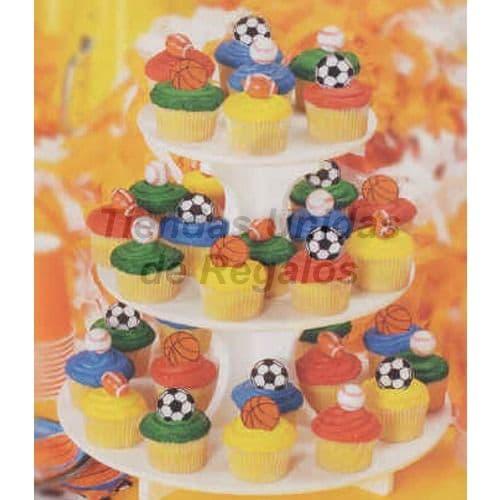 Torta Niño 83 - Codigo:WBE83 - Detalles: Estructura de tres niveles conteniendo. 34 muffins decorados.  Muffins de vainilla decorados con masa elástica. - - Para mayores informes llamenos al Telf: 225-5120 o 4760-753.