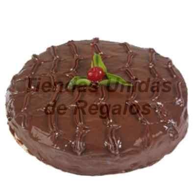 I-quiero.com - Torta Chocolate 01 - Codigo:WCH01 - Detalles: Delicioso queque de chocolate relleno con fosh, el decorado externo es a base de puro chocolate.Mide 25cm de diametro con 6cm de alto, . Rinde 25 porciones. - - Para mayores informes llamenos al Telf: 225-5120 o 476-0753.