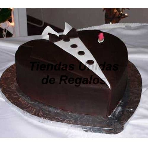 Lafrutita.com - Torta Corazon 04 - Codigo:WCO04 - Detalles: Deliciosa torta hecho a base de queque De Vainilla,    y manjar. Med. 23 Cmt de diametro, rinde aprox para 12 porciones.  Las tortas de esta categor�a deber�n solicitarse y cancelarse con un m�nimo de 5 d�as �tiles. Tortas.com.pe puede prepara para Ud. la torta en menor tiempo, pero deber� coordinarse previamente a nuestra central telef�nica.  La base esta considerada en tecnopor forrado con papel aluminio, las fotos de las bases son solo referenciales, si el cliente desea otro tipo de base como por ejm: masa el�stica, con blondas o de otro material deber� solicitarlo previamente a nuestro call center al 225-5120 o 403-5246.  - - Para mayores informes llamenos al Telf: 225-5120 o 476-0753.
