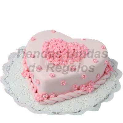 Torta Corazon - Codigo:WDA01 - Detalles: Delicioso queque ingles relleno con exquisita fruta confitada y pasas, el decorado es a base de masa elástica.Mide 20 x 21cm.  - - Para mayores informes llamenos al Telf: 225-5120 o 4760-753.