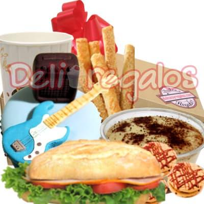 Desayuno Dia C.Criolla - Codigo:WHL01 - Detalles: En caja de regalo, incluye sandwich de lomito ahumado, Jugo de naranja, palitos de queso, galletas de chispa de chocolate,  incluye muffin decorado especial con masa elastica de guitarra criolla y cajon peruano. - - Para mayores informes llamenos al Telf: 225-5120 o 4760-753.