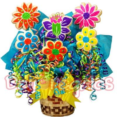 Premium Hallowen - Codigo:WHL05 - Detalles: Arreglo a base de media docena de flores a base de galletas de vainilla de 5cm cada una, toda la decoracion es a base de masa elastica, el arreglo viene con serpentinas decorativas y en base de ceramica segun imagen. - - Para mayores informes llamenos al Telf: 225-5120 o 4760-753.