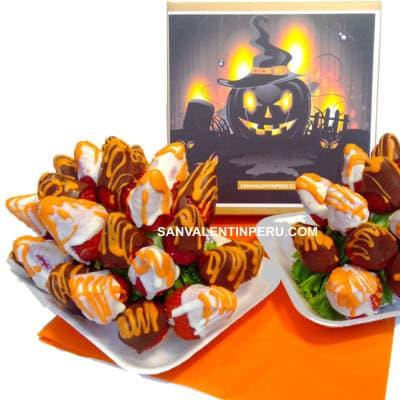 Fresas y Chocolate Hallowen - Codigo:WHL09 - Detalles: 25 deliciosas fresas ba�adas con chocolate blanco y naranja, segun imagen, el presente viene en una caja de acrilico transparente para garantizar su frescura. - - Para mayores informes llamenos al Telf: 225-5120 o 4760-753.