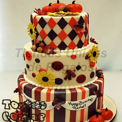 Torta para Halloween 11 - Codigo:WHL11 - Detalles: Delicioso queque ingles relleno  de fruta confitada y pasas, decorada finamente en masa elástica, MED. 1er Nivel  35Cm, 2do Nivel 25Cm, 3er Nivel  15Cm.   - - Para mayores informes llamenos al Telf: 225-5120 o 4760-753.