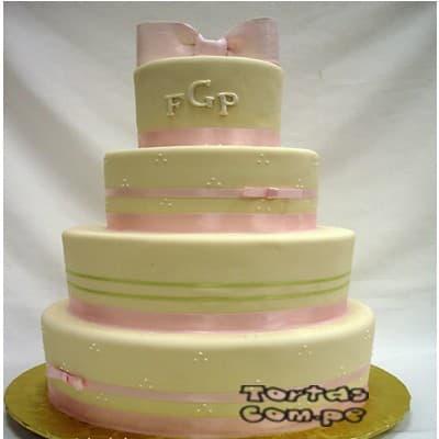 Torta Matrimonio 01 - Codigo:WMA01 - Detalles: Elegante Torta hecho a base de queque ingles con relleno  de frutos secos, pasas y hecho finamente con masa elástica y cuidadosamenete decorado,para esa fecha  tan especial. Rinde aprox. para 115 a 120 porciones. Cualquier modificación que desee hacer  es previa coordinación. - - Para mayores informes llamenos al Telf: 225-5120 o 4760-753.
