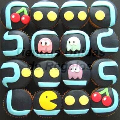 Tortas.com.pe - Muffin Art�stico 01 - Codigo:WMF01 - Detalles: 16 muffins finamente decorados con masa el�stica y figuras representativas del juego pacman. - - Para mayores informes llamenos al Telf: 225-5120 o 476-0753.