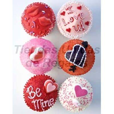 Tortas.com.pe - Muffin Art�stico 11 - Codigo:WMF11 - Detalles: 6 muffins finamente decorados con masa el�stica y figuras representativas de labios, corazones y mensaje I love you. Este producto se entregara 24 horas despu�s de realizar el pedido. - - Para mayores informes llamenos al Telf: 225-5120 o 476-0753.