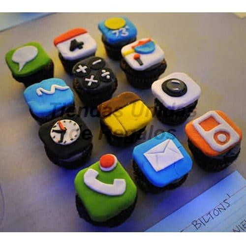 Cupcakes Celular - Codigo:ENP03 - Detalles: Docena de Cupcakes de vanilla con diseño segun imagen. El presente viene en cajas de acriico transparente que garantizan su perfecto transporte e higiene.  - - Para mayores informes llamenos al Telf: 225-5120 o 4760-753.