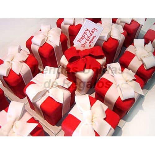 Lafrutita.com - Tortas Individuales de regalitos rojo - Codigo:WMT07 - Detalles: Queque De Vainilla finamente decorado en masa el�stica que incluye: 15 Mini tortas de 6cm x 5cm cada una.   - - Para mayores informes llamenos al Telf: 225-5120 o 476-0753.
