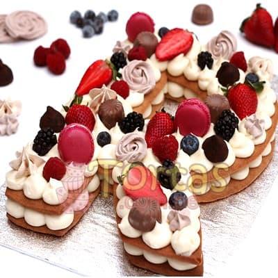 Tortas.com.pe - Torta Flores y Numeros 03 - Codigo:WNU03 - Detalles: Delicioso keke de vainilla relleno con capas de buttercream incluye tres capas de keke y dos de buttercream. Incluye decoracion segun imagen. Letra Personalizable. Tama�o 20x20cm.  - - Para mayores informes llamenos al Telf: 225-5120 o 476-0753.