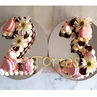 Tortas.com.pe - Tortas Flores y Numeros 15 - Codigo:WNU15 - Detalles: Deliciosos kekes de vainilla relleno con capas de buttercream incluye tres capas de keke y dos de buttercream. Incluye decoracion segun imagen. Letra Personalizable. Tama�o 20x10cm.  cada uno - - Para mayores informes llamenos al Telf: 225-5120 o 476-0753.