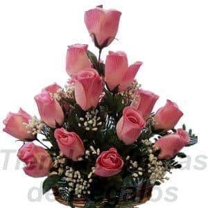 Arreglo de Rosas 08 - Codigo:XBR08 - Detalles: Hermoso arreglo compuesto por 15 rosas importadas, plantas y follajes de estación, todo en una linda base de mimbre, incluye una tarjeta de dedicatoria. Este producto deberá ser ordenado con 2 dias utiles de anticipación. Si el pedido es realizado el mismo día  nuestra tienda podrá cambiar el color de las rosas. - - Para mayores informes llamenos al Telf: 225-5120 o 4760-753.