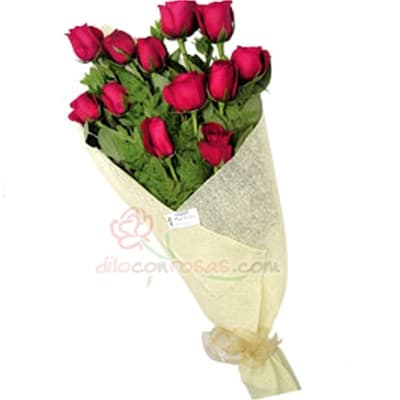 Arreglo de rosas 39 - Codigo:XBR39 - Detalles:  Lindo ramo de rosas compuesto de 12 finas rosas importadas, vienen en tono rojo.Incluye tarjeta dedicatoria. Este producto deber� ser ordenado con un d�a �til de anticipaci�n. Si el pedido es realizado el mismo d�a, nuestra tienda podr� cambiar el color de las rosas. El ramo viene en papel especial de color e incluye papel celofan en la parte externa. - - Para mayores informes llamenos al Telf: 225-5120 o 4760-753.