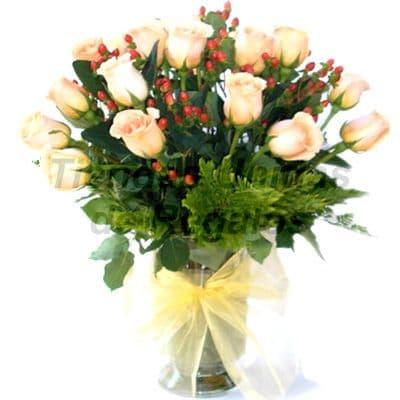 Florero 22 - Codigo:XFR22 - Detalles: Elegante florero de 14 rosas amarillas importadas, plantas de decoraci�n, incluye tarjeta de dedicatoria. Este pedido se realiza con 24 horas de anticipaci�n. - - Para mayores informes llamenos al Telf: 225-5120 o 4760-753.