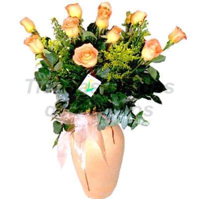 Florero 32 - Codigo:XFR32 - Detalles: Elegante florero de 10 rosas amarillas importadas, incluye tarjeta de dedicatoria. Este pedido se realiza con 24 horas de anticipaci�n. - - Para mayores informes llamenos al Telf: 225-5120 o 4760-753.