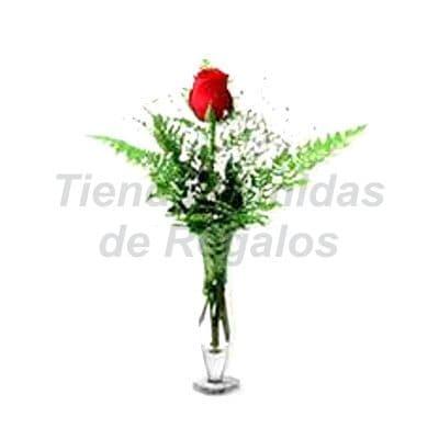 Florero 33 - Codigo:XFR33 - Detalles: Elegante florero de 1 rosas roja importada, incluye tarjeta de dedicatoria. Este pedido se realiza con 24 horas de anticipaci�n. - - Para mayores informes llamenos al Telf: 225-5120 o 4760-753.
